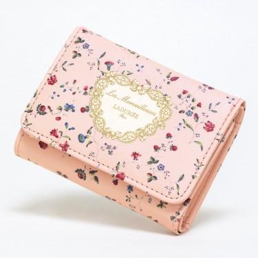 象徴的な柄がフェミニン&上品なブランド初のミニ財布!